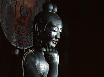 中宮寺本尊 国宝菩薩半跏像(寺伝如意輪観音) 台座画像
